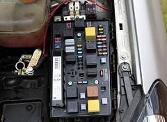 Блок предохранителей опель астра (opel astra h/j). Схема расположения реле и предохранителей.