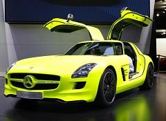 Электромобиль от Mercedes-Benz. SLS AMG E-Cell - полноприводное спортивное купе с крыльями чайки