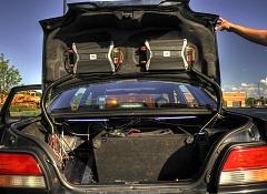 Где и как установить усилитель в автомобиле?