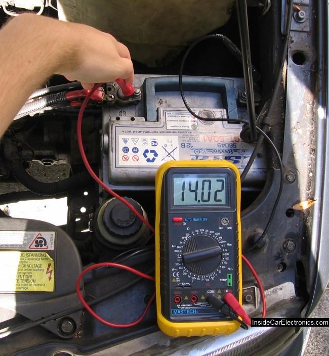 Как тестером измерить напряжение