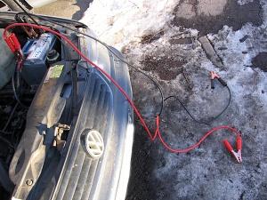 Подключение соединительных проводов к клеммам аккумулятора что бы прикурить авто