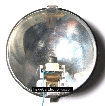 ...отражателем для проверки целостности электрических цепей автомобиля.
