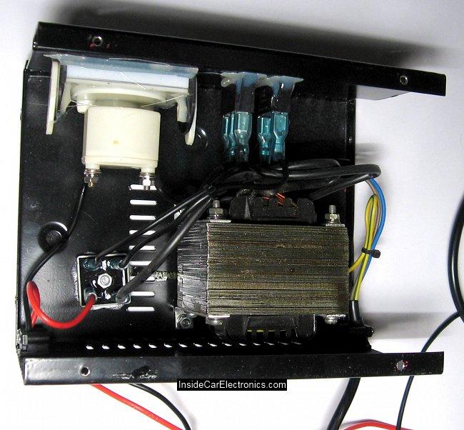 Зарядное утройство для автомобильных аккумуляторов. Вид изнутри. Устройство и детали.